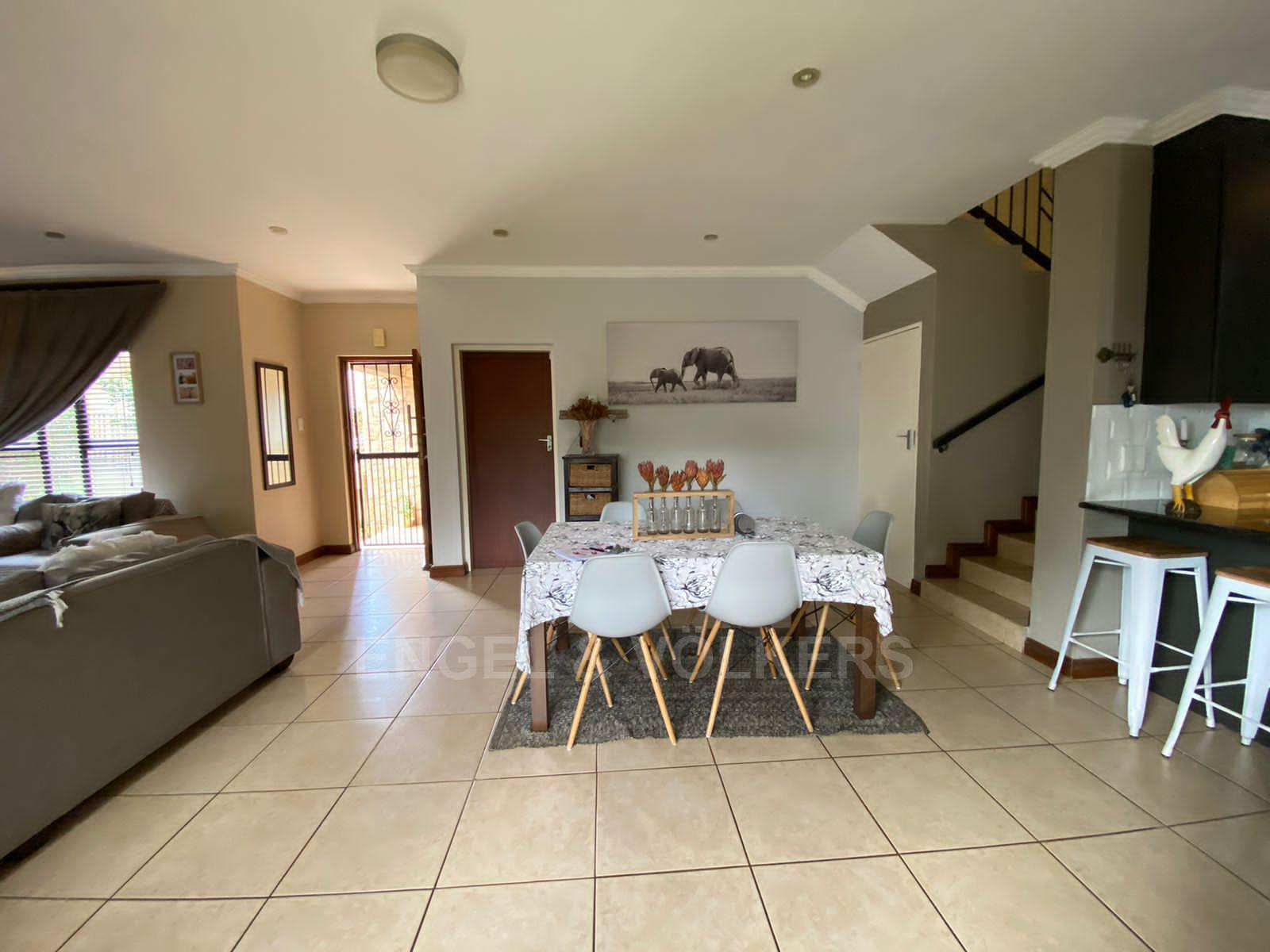House in Melodie - Dining area 1