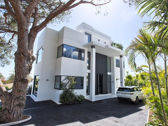 Villa for sale in Nagüeles Marbella Golden Mile