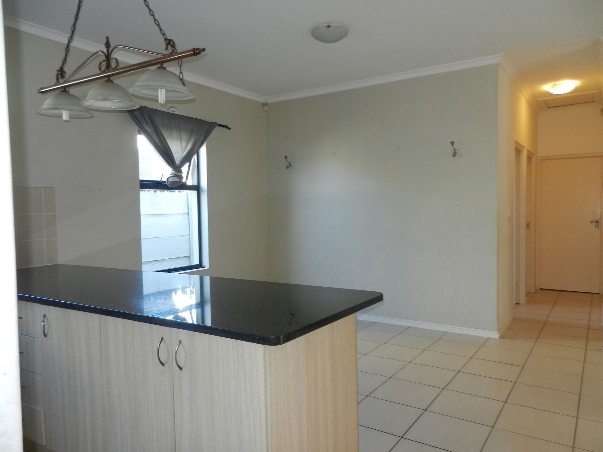 House in Parklands - Dining room