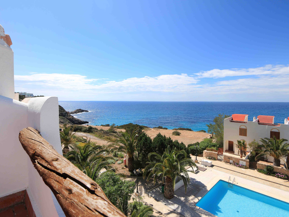 Completely renovated townhouse next to the beach in Cala Tarida