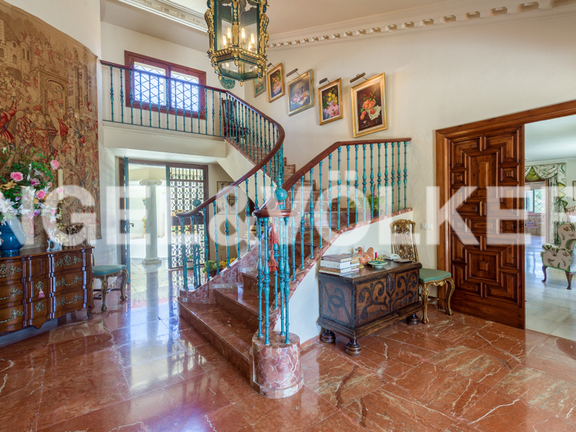 House in Golden Mile - Entrance Hall