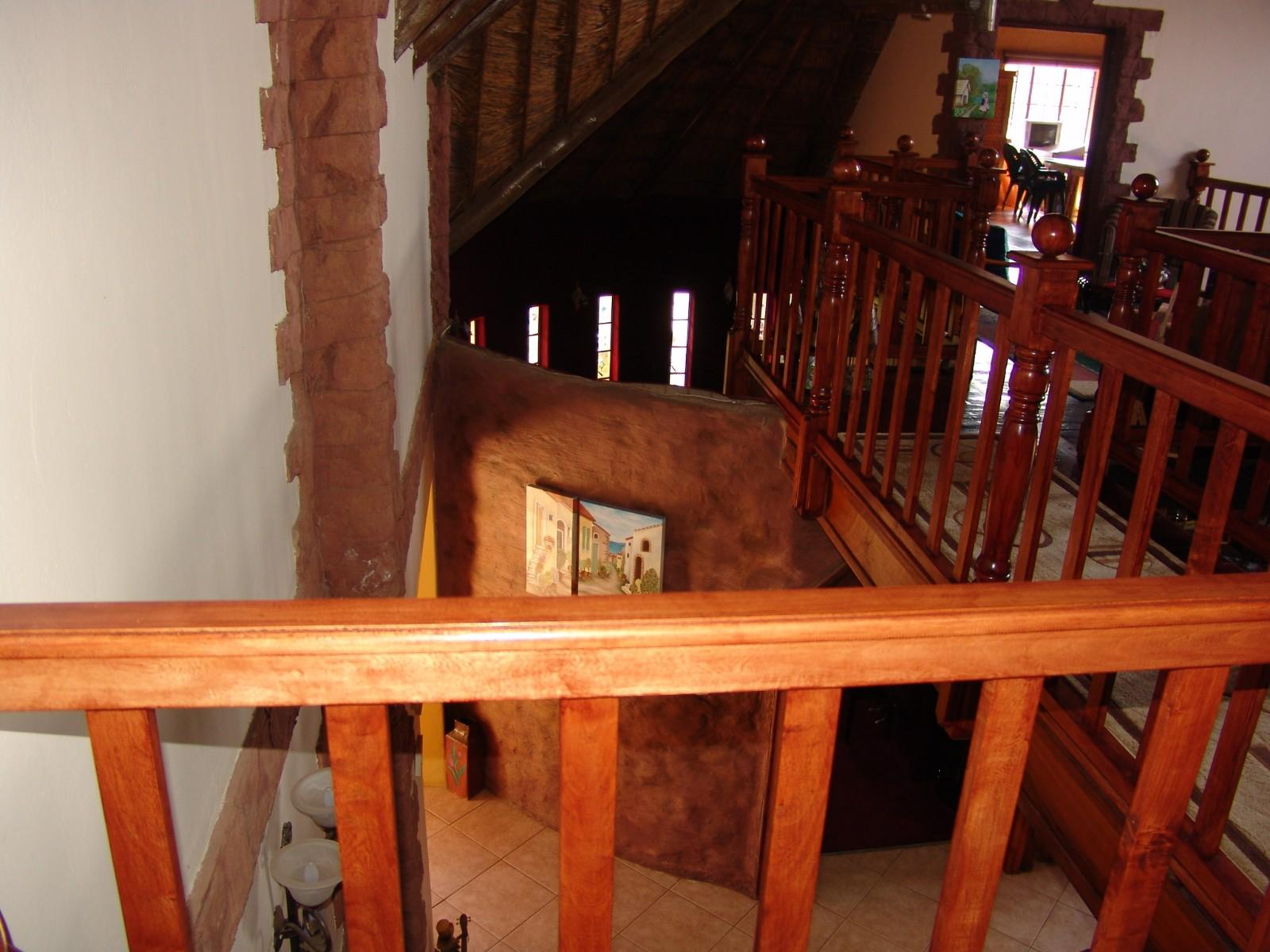 House in Thatch Haven - Staircase