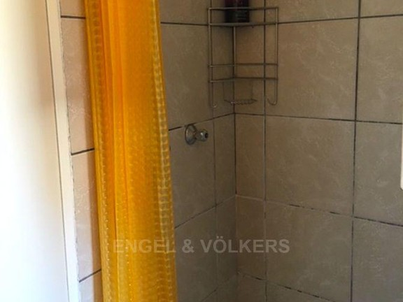 Apartment in Vorna Valley - Shower.png