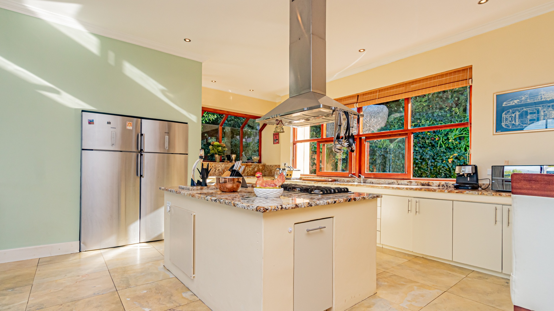 House in Hout Bay - Kitchen island