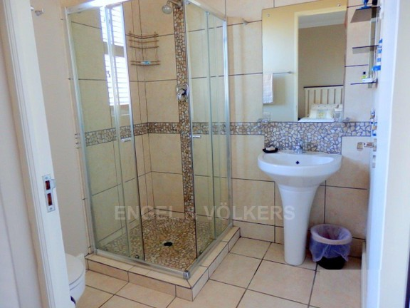 Condominium in Uvongo - 010_Bathroom_2_4.JPG