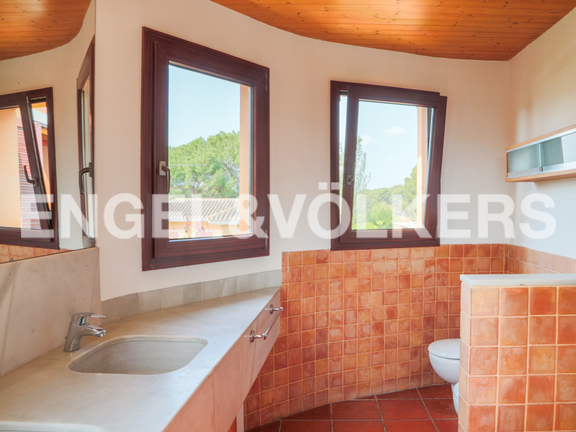 House in Montesol - bathroom