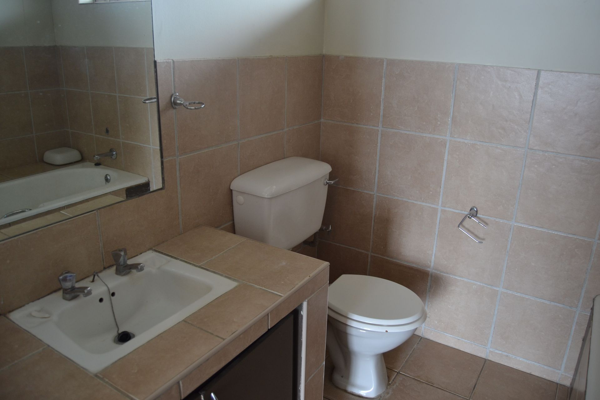 Apartment in Central - Bathroom