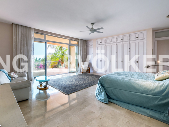 House in Marbella City - Master Bedroom