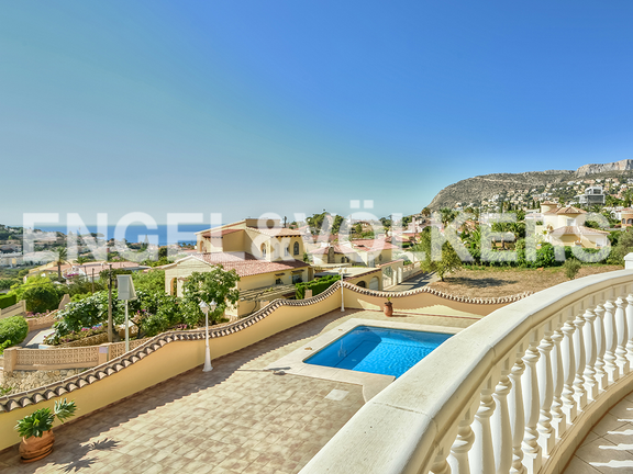 House in Calpe - View to the pool
