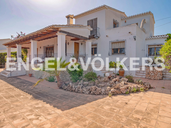 House in Moraira - ¡Unique Opportunity! First Line in Moraira - L´Andragó