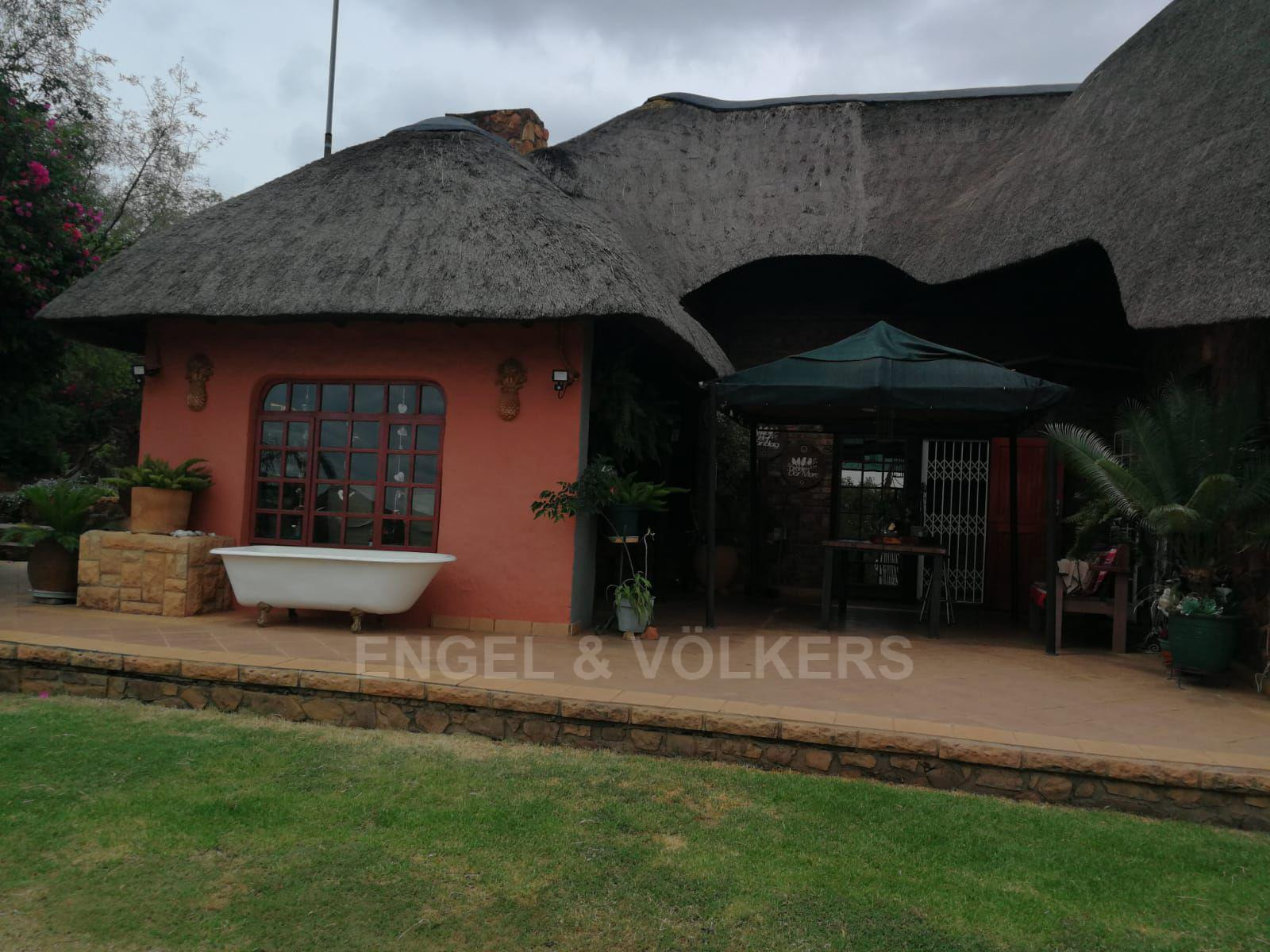 Land in Hartbeespoort Dam Area - Well maintained property
