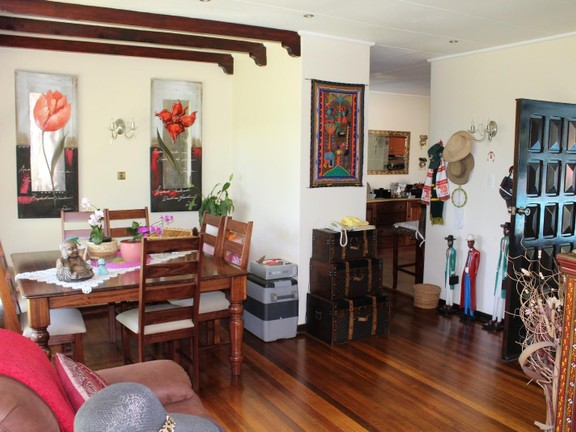House in Bonnie Doon - Lounge 2