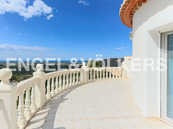 House in La Sella Golf - Terrace of 27 sqm of upper level.