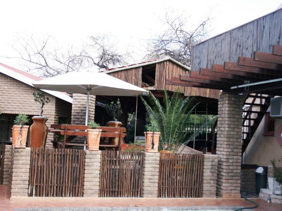 House in Phalaborwa & surrounds - Pool area 2