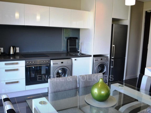 Condominium in Benmore - kitchen_EDI3WEF.jpg
