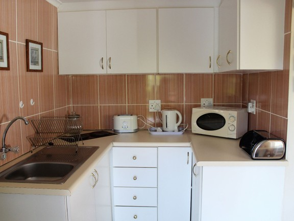 House in Bonnie Doon - 1 Bed Flatlet