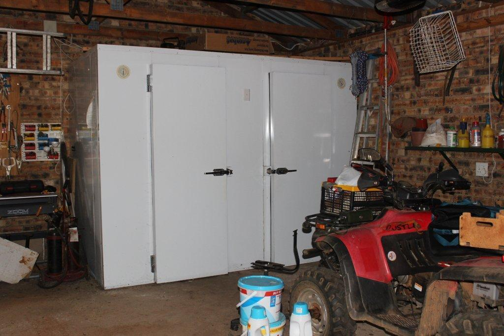 Land in Parys - COOL_ROOM_AND_FREEZER.jpg