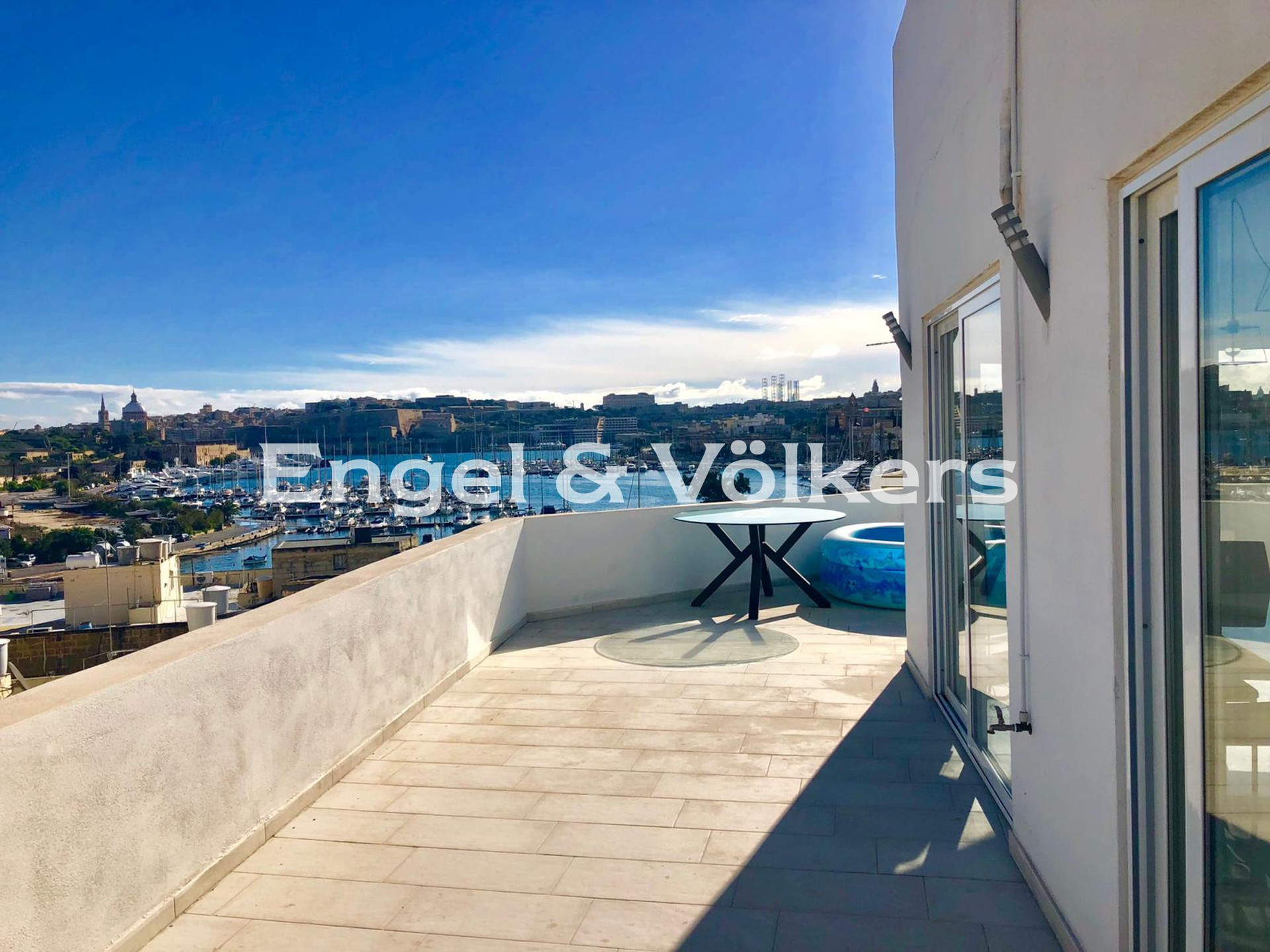 Apartment in Gzira - Penthouse, Gzira, Large terrace with sea view