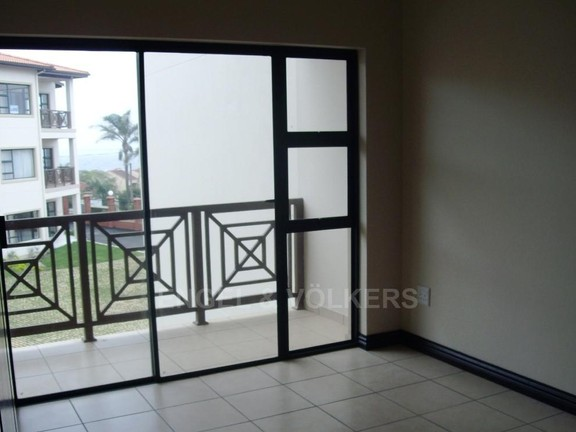 Apartment in Uvongo - Lounge to Patio