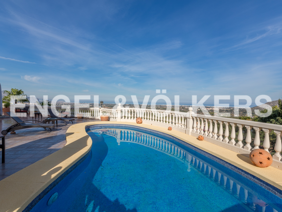 House in La Sella Golf - Pool with panormic views.