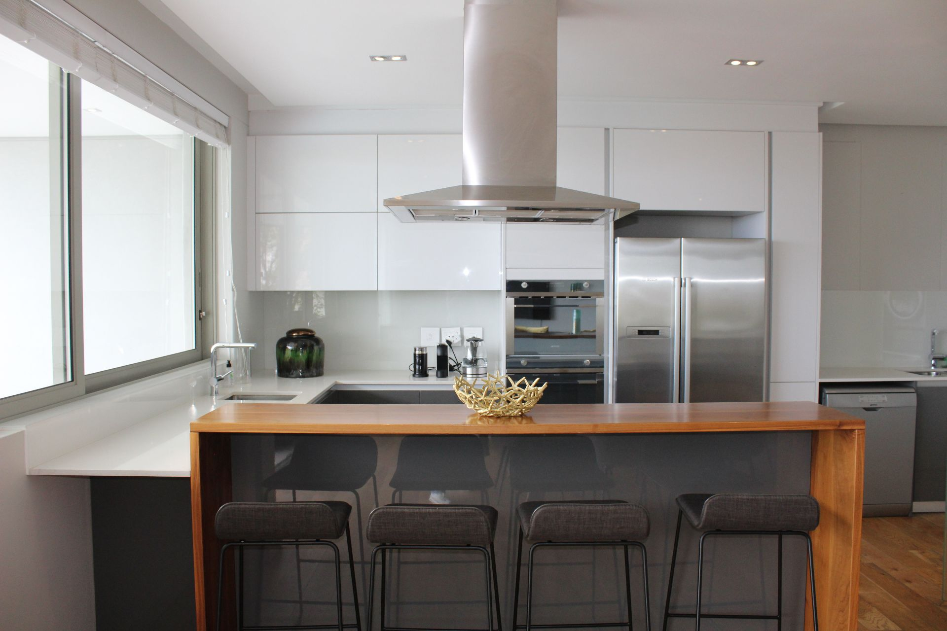 Apartment in Bantry Bay - Kitchen.JPG