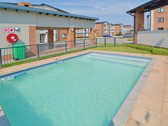 Apartment in Ravenswood - candelwood cres-17.jpg