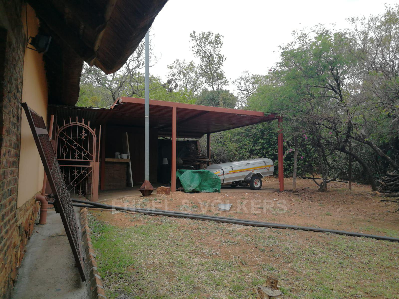 Land in Hartbeespoort Dam Area - Outside store rooms and sheds