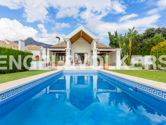 House in Golden Mile - Swimming Pool & Villa