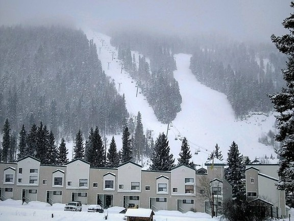 """House in Taos Ski Valley - Upscale 2 Bedroom Condo with """"Lock off"""". Great rental-income producer!"""