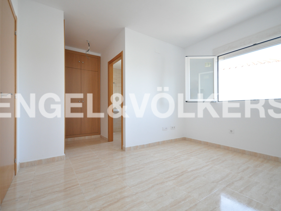 House in Requena - Master bedroom