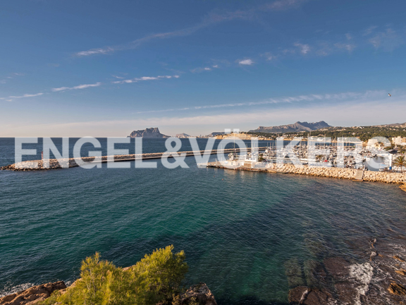 Condominium in Moraira - Spectacular First Line Penthouse at the Moraira Port, Views