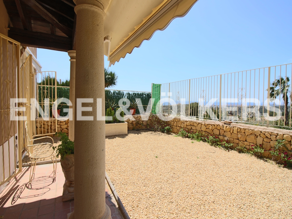 House in Finestrat - Excellent house with plot and views. Terrace
