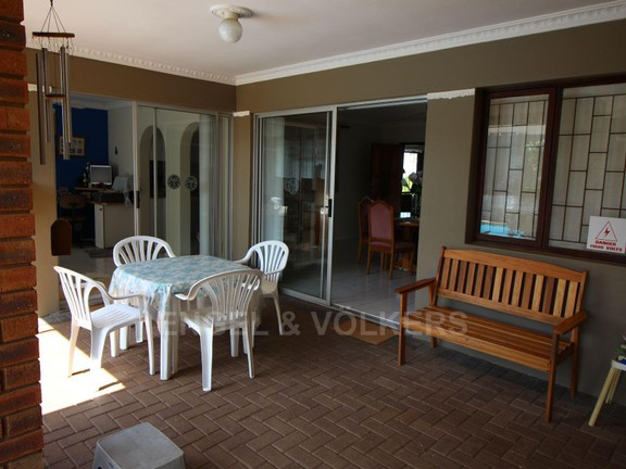 House in Margate - 014 Enclosed Patio.JPG
