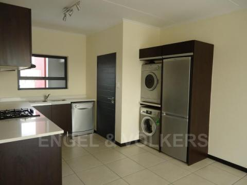 Condominium in Dainfern - Kitchen2