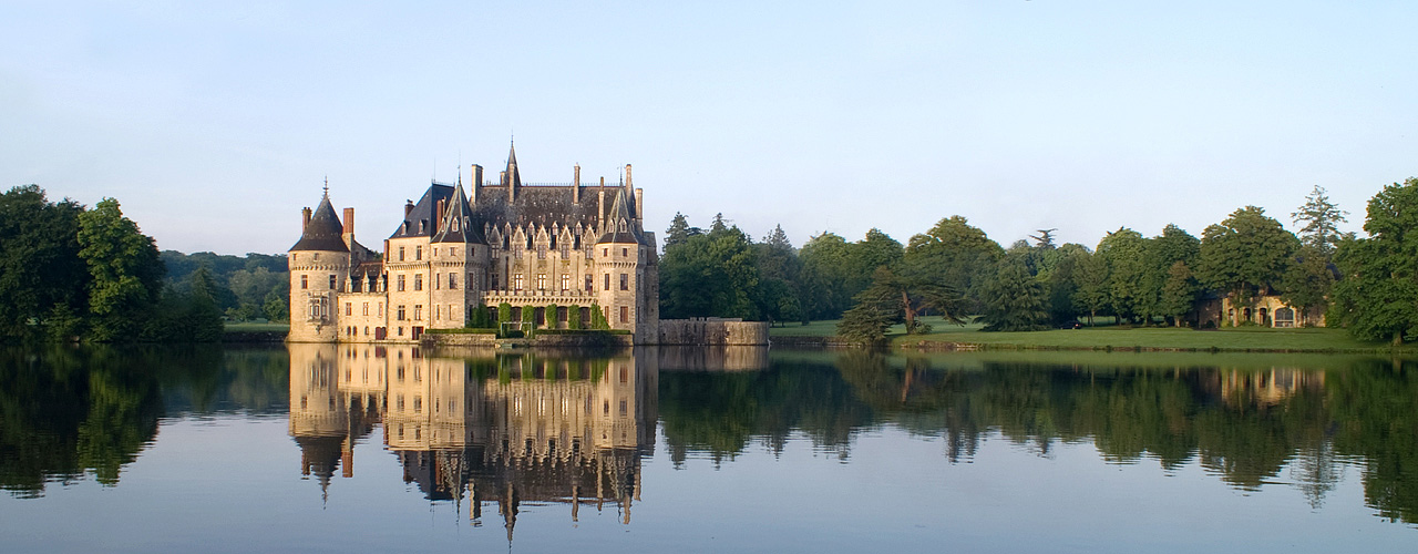 Engel & Völkers - As specialists in luxury real estate, we are pleased to present you our portfolio of the finest châteaux, castles and mansions.