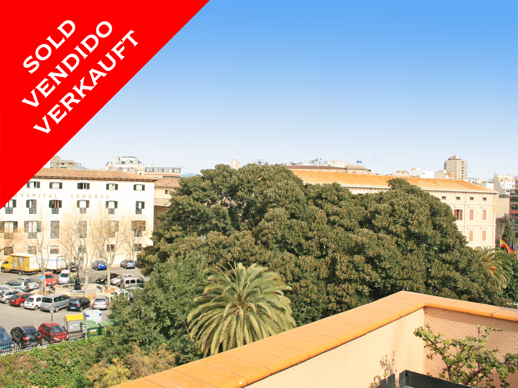 Palma - Penthouse with lots of potential in the old town. Sold!