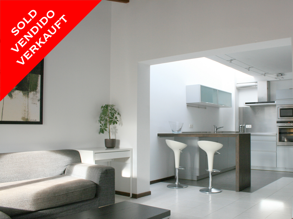 Palma - Lovely old town penthouse with elevator & terrace. Sold!