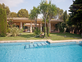 Palma de Mallorca - Enchanting garden amid established garden in Son Vida