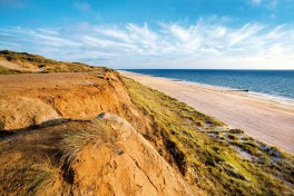 Travel Tuesday: Sylt - Luxurious Thatched Dwelling