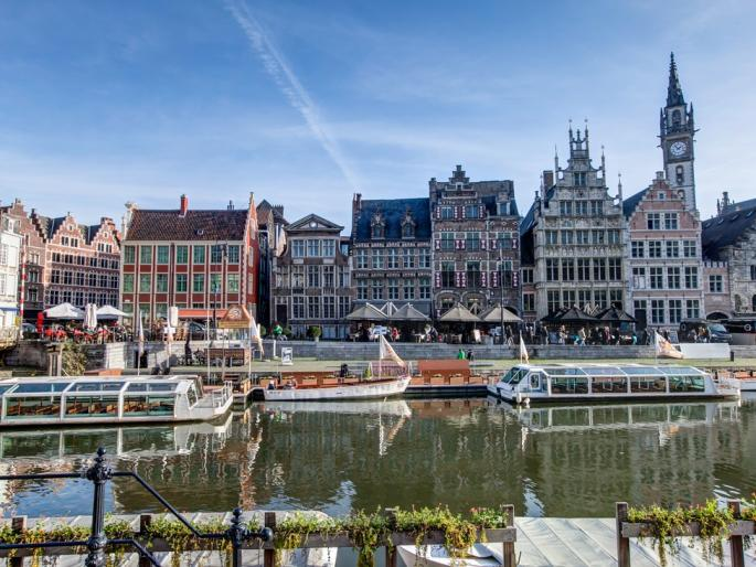 Medieval harbour in Gent with a view on numerous house fronts