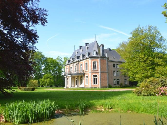 View on an elegant, tasteful, authentically renovated 18th century castle in Spa