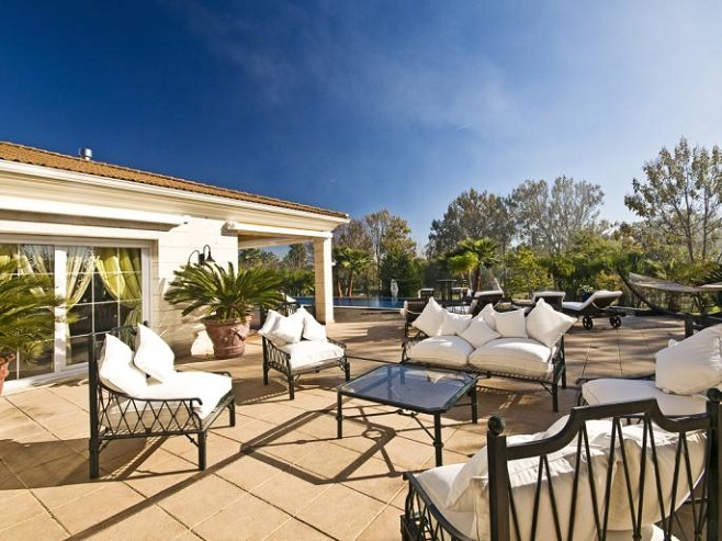 Exterior of a luxury Villa in Inca with many opportunities to relax in Mallorca's sunshine