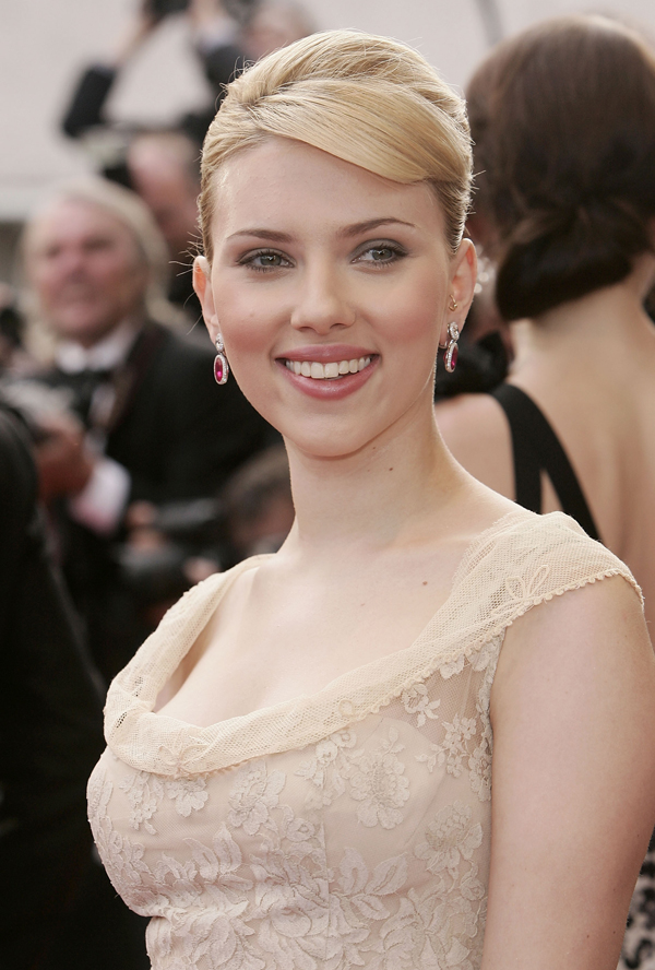 Is Scarlett Johansson looking for a new home?