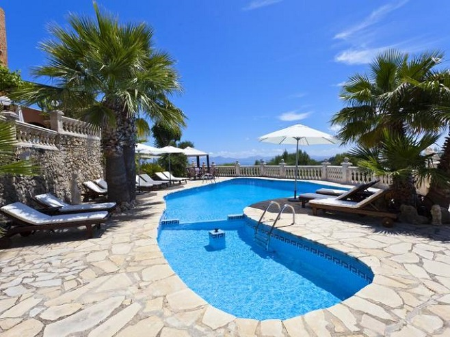Villa with terrace, pool and sea view in Pollensa