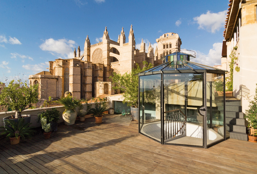 Travel Tuesday: Stadthaus in Palma