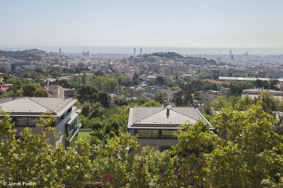 Tibidabo avenue villas with elegance and glamour in - Placa kennedy barcelona ...