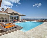 Villa with pool and sea views in Son Vida