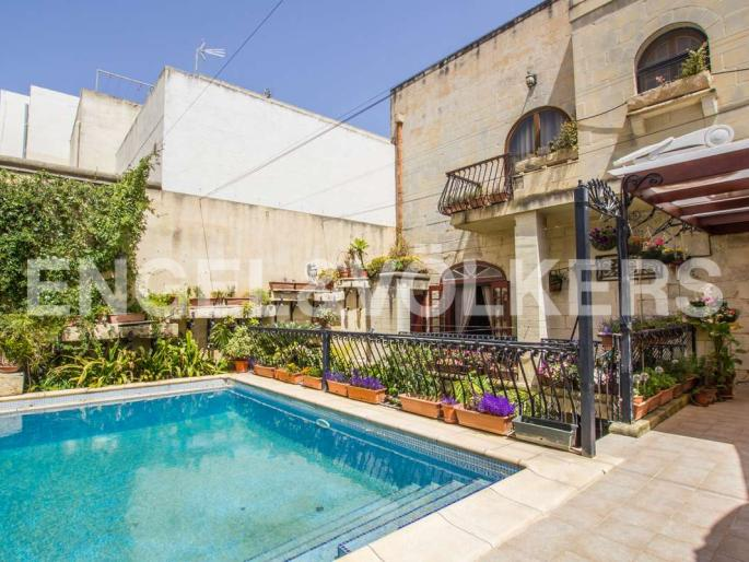 House of Character Rabat Real Estate Malta Pool