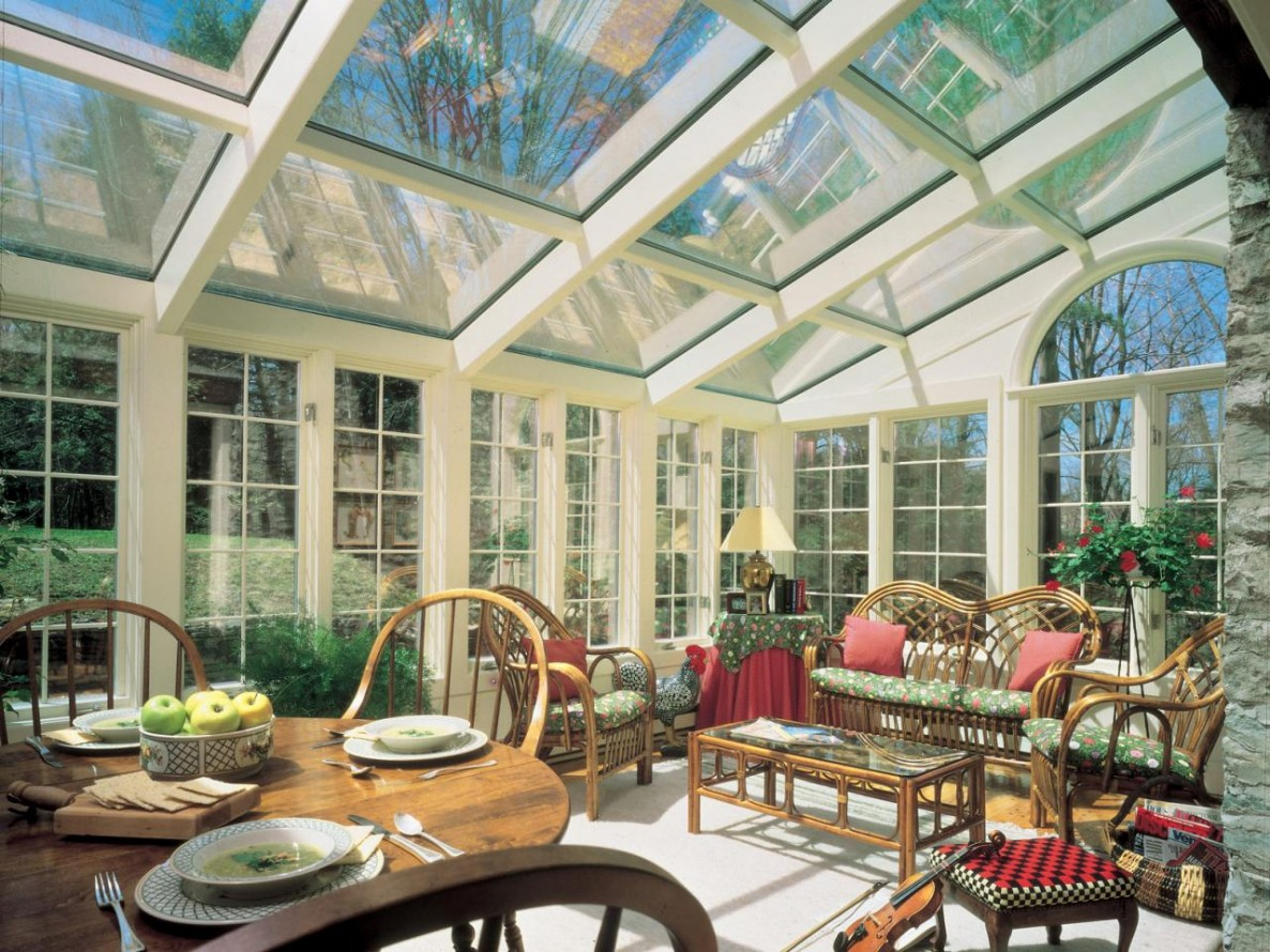CI-Four-Seasons_sun-and-stars-sunroom_s4x3.jpg.rend.hgtvcom.1280.960