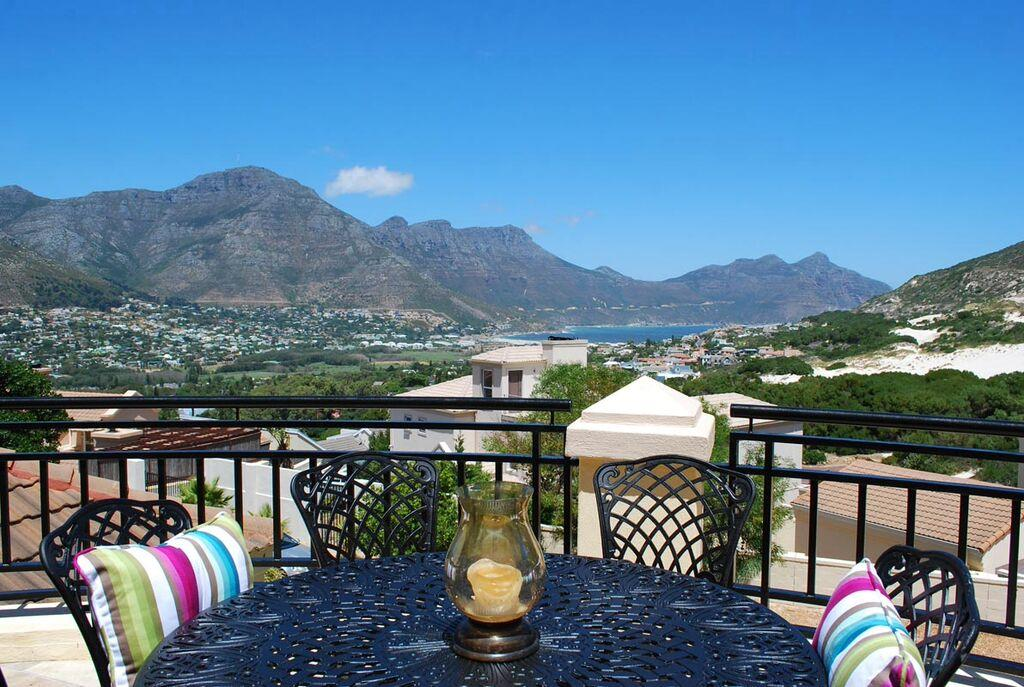 on show hout bay cape town 2 august 2015